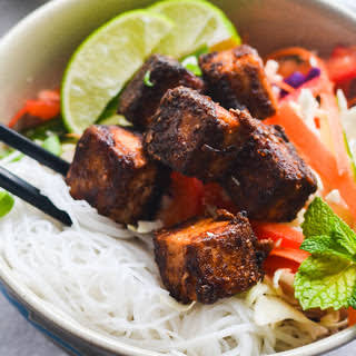 Sweet Chili Noodle Tofu Bowl [Vegan, Gluten-Free].