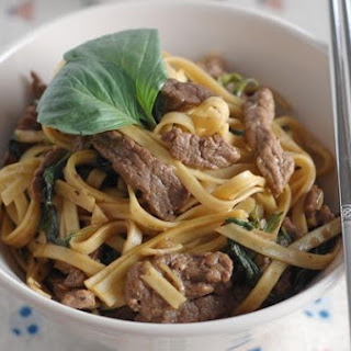 Basil & Black Pepper Beef With Egg Noodles