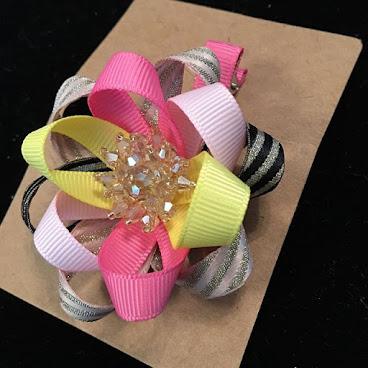 Handmade 6cm Flower Bling Bling Hairpins HKD35 , included local shipment fee. We can ship to worldwide. #princesse #Hongkong #butterfly #flower #blingbling #bling #髮夾 #baby #嬰兒 #bb #手作 #自家制 #mini #女 #蝴蝶结 #蝴蝶 #handmade #bowtie #bow #絲帶 #花 #髮飾 #hairband #hairstyle #hair clips