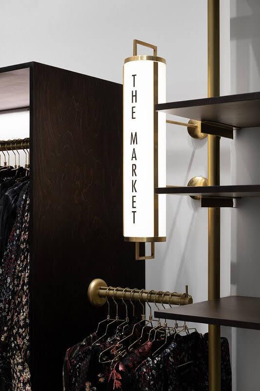trang trí shop thời trang