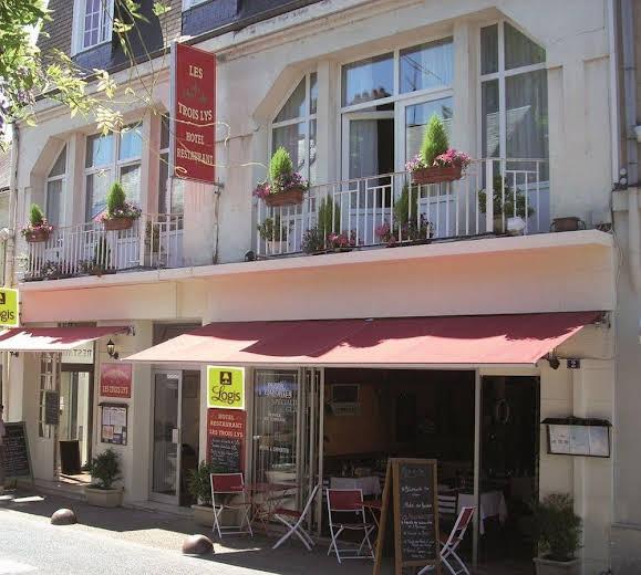 P'tit Dej-HOTEL Tours Sud-Ouest - Les Trois Lys