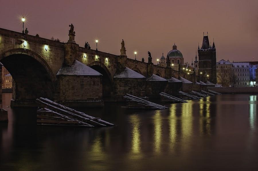 Karlův most by Miloš Stanko - Buildings & Architecture Bridges & Suspended Structures ( voda, noc, prague, vltava, karlův most )
