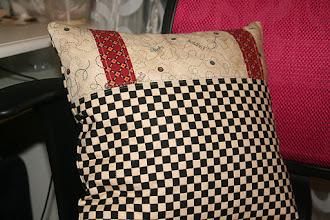 Photo: задняя сторона подушечки
