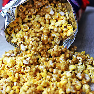 Chicago Mix Cheddar & Caramel Popcorn!