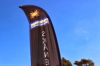 Photo: Vår fana gör sig mot en blå himmel.