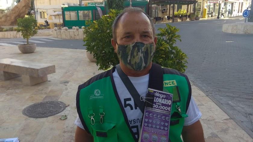 Antonio Fernández es el vendedor de los cupones premiados.
