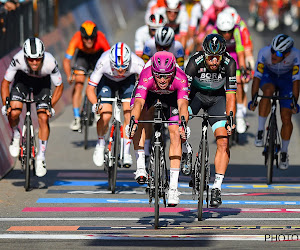 🎥 Pakte Démare zijn derde ritzege, na een duel met Sagan, wel in een reguliere sprint?