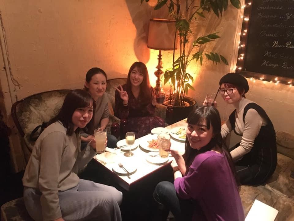 画像に含まれている可能性があるもの:5人、Shiori Sato Mitoさんを含む、、スマイル、座ってる(複数の人)、テーブル、室内