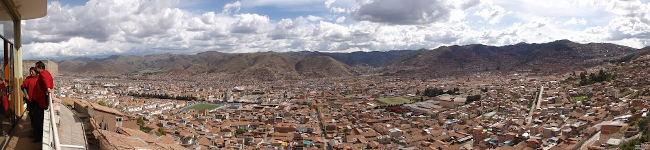 Photo: Cusco is with its population of 400,000 at 3400m (11000ft) elevation. You are grasping for the missing 35% air and oxygen in comparison to sea level when climbing the stairs to the 2nd floor with your bags.