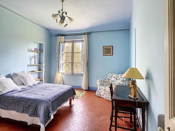 Vente propriété 30 pièces 700 m2