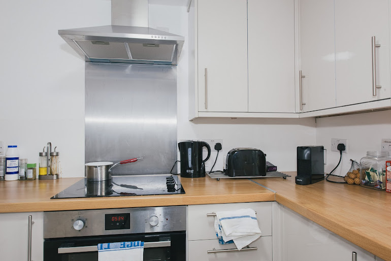 Full kitchen at River Court Apartments