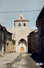 Photo: Estampa típica de Ayoó: La Calle de la Iglesia con el templo al fondo (Agosto, 2000)
