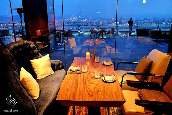 漫步高空酒吧,與夜幕對飲成詩【INGE'S Bar & Grill】台北萬豪酒店