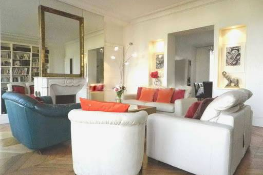 Spacious living area at Quai de la Tournelle Apartments 110 m²