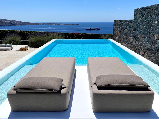 Review: Canaves Oia Epitome Santorini