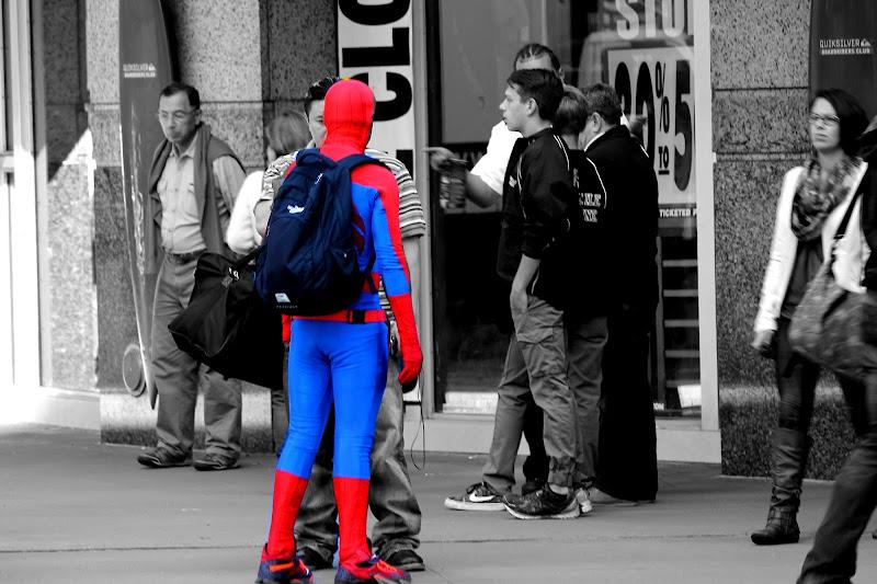 Anche i supereroi ogni tanto fanno una pausa.......... di Lela69