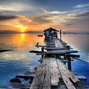 Jelutong sunrise ll by Izham Khalid - Landscapes Sunsets & Sunrises ( sky, sampan, penang, sea, cloud, sunrise, jetty )