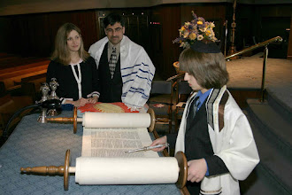 Photo: Jewish boy studies the Torah