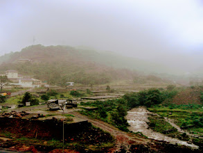 Photo: Lavasa, a holiday destination near Pune. The photo was taken in 2010 and the area has been much developed by now (http://www.lavasa.com/), after overcoming environmental concerns. 19th September updated (日本語はこちら) -http://jp.asksiddhi.in/daily_detail.php?id=655