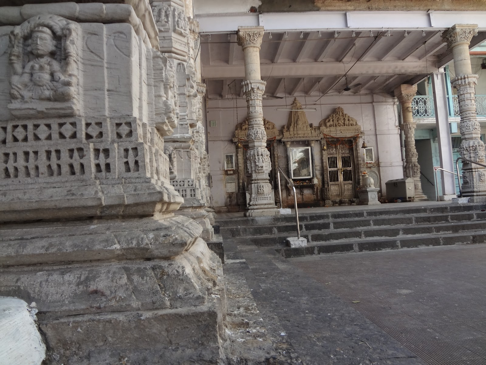 Babulnath_Temple3.JPG
