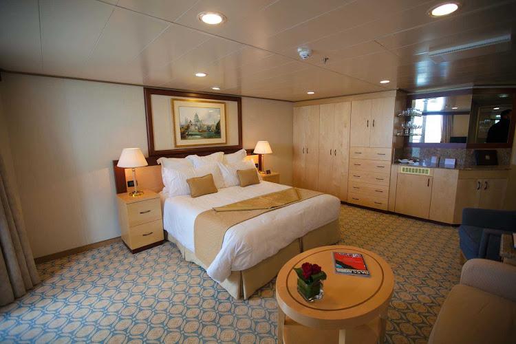 The bedroom of the Q5 Suite on Queen Elizabeth.