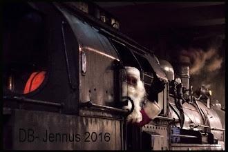 Photo: Countdown to Christmas Der Weihnachtsmann ist bereits in Deutschland eingetroffen - in diesem Jahr kam er mit seiner alten Dampflok  Weihnachtsfotogalerie : https://goo.gl/nN5COH