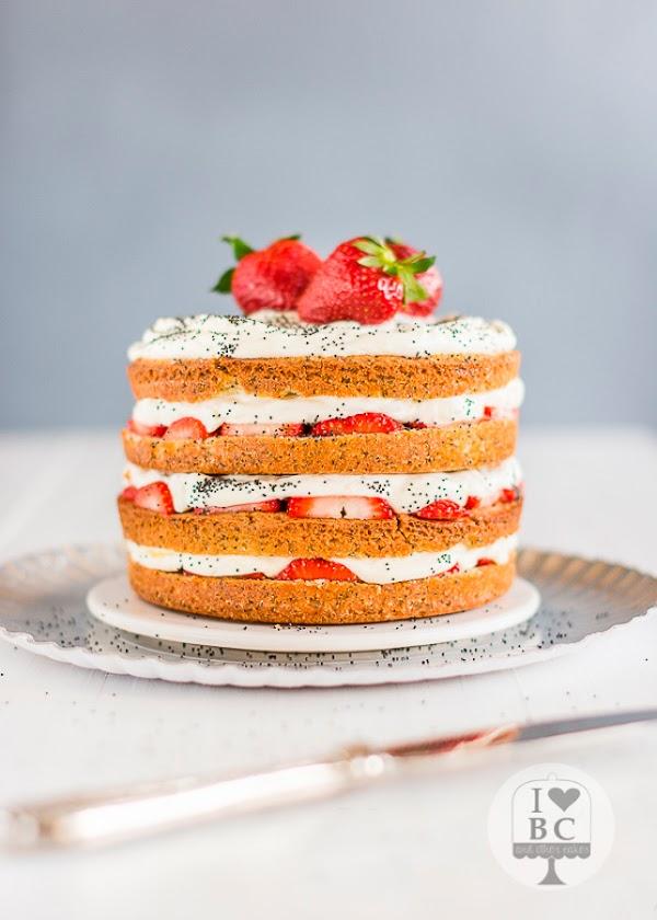 Naked Cake de fresas