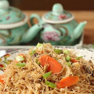 Healthy Thai Stir Fried Noodles and Tofu with Sweet Soy Sauce
