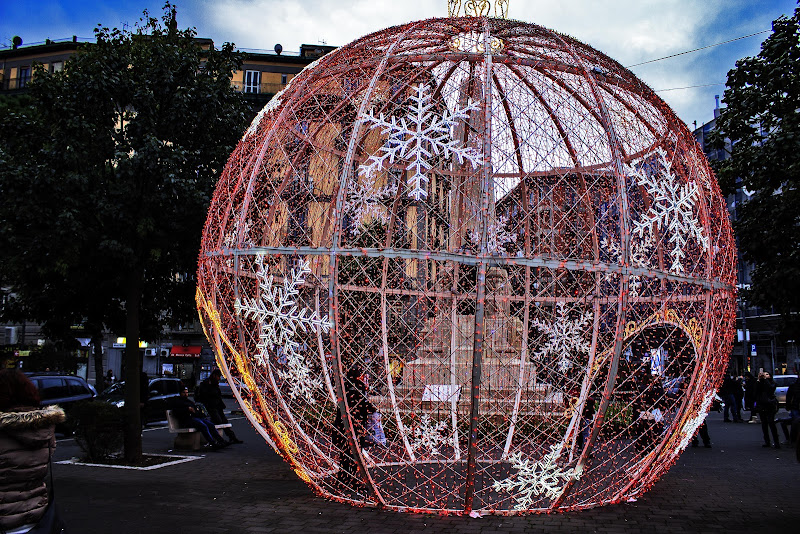Giant Ball di Alessandro Isaia