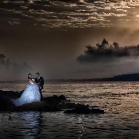 by Philippe Grosvald - Wedding Bride & Groom
