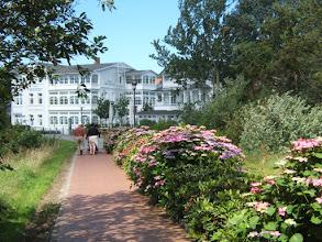 Photo: Schmachter See-Promenade im Seebad BINZ/ Rügen (siehe www.freie-ferienwohnung-binz.de und www.binz-zingst-kuehlungsborn.de )