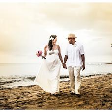 Wedding photographer Julio Larregoity (larregoity). Photo of 25.01.2014