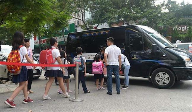Học sinh Trường Tiểu học quốc tế Gateway                                       đi xe đưa đón của trường