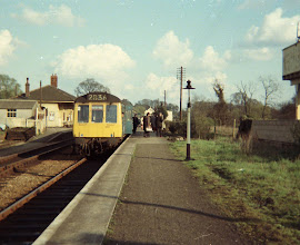 Photo: Passengers alight from the evening local down DMU (1969)