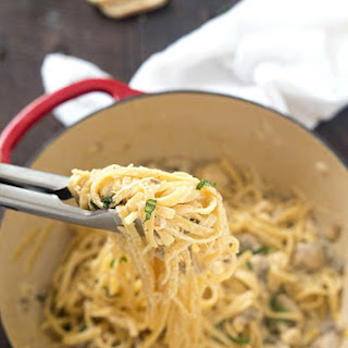 One-Pot Chicken and Mushroom Fettuccine Alfredo