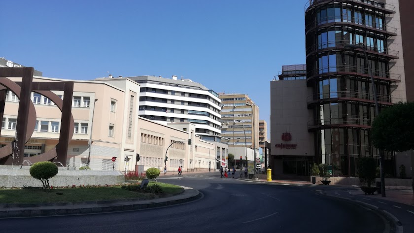 Sede central del Grupo Cooperativo Cajamar en la Plaza Barcelona de Almería
