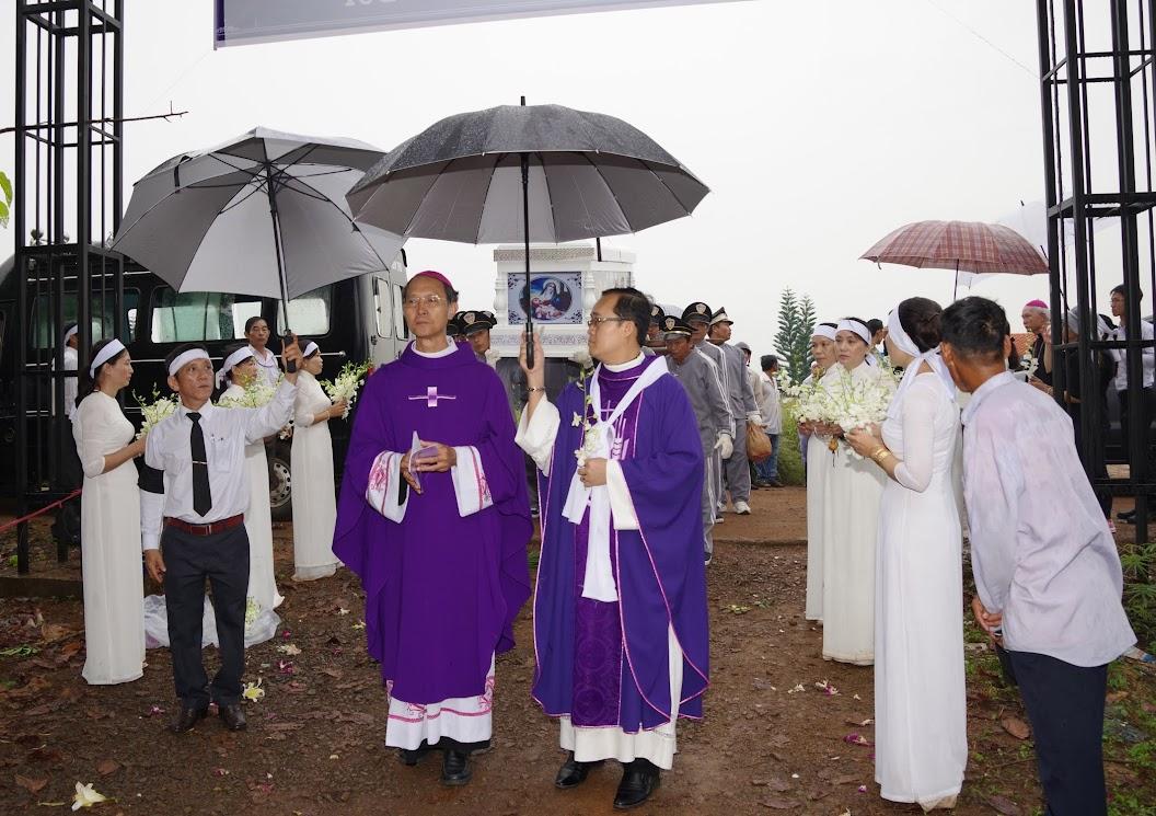 Thánh lễ an táng Cha Giuse Trần Ngọc Tâm - Chánh xứ Xuân Đức - Ảnh minh hoạ 43