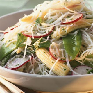 Vermicelli and Mangetout Salad