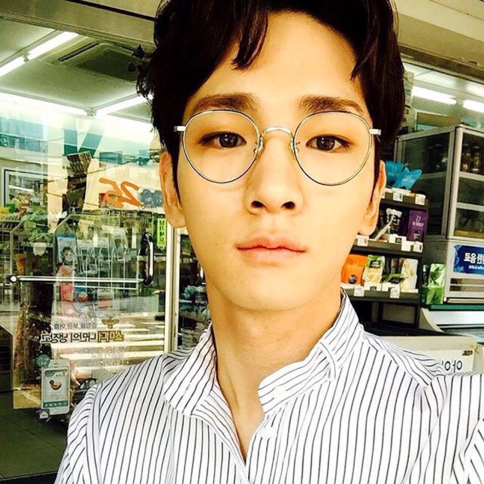 Shinee Key glasses 1