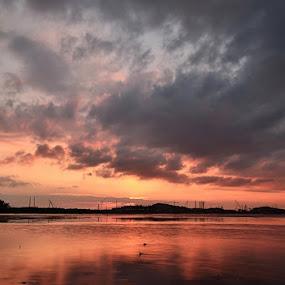 untitled by Rizki Mayendra - Landscapes Sunsets & Sunrises ( sunset, cloud, sea, landscape )