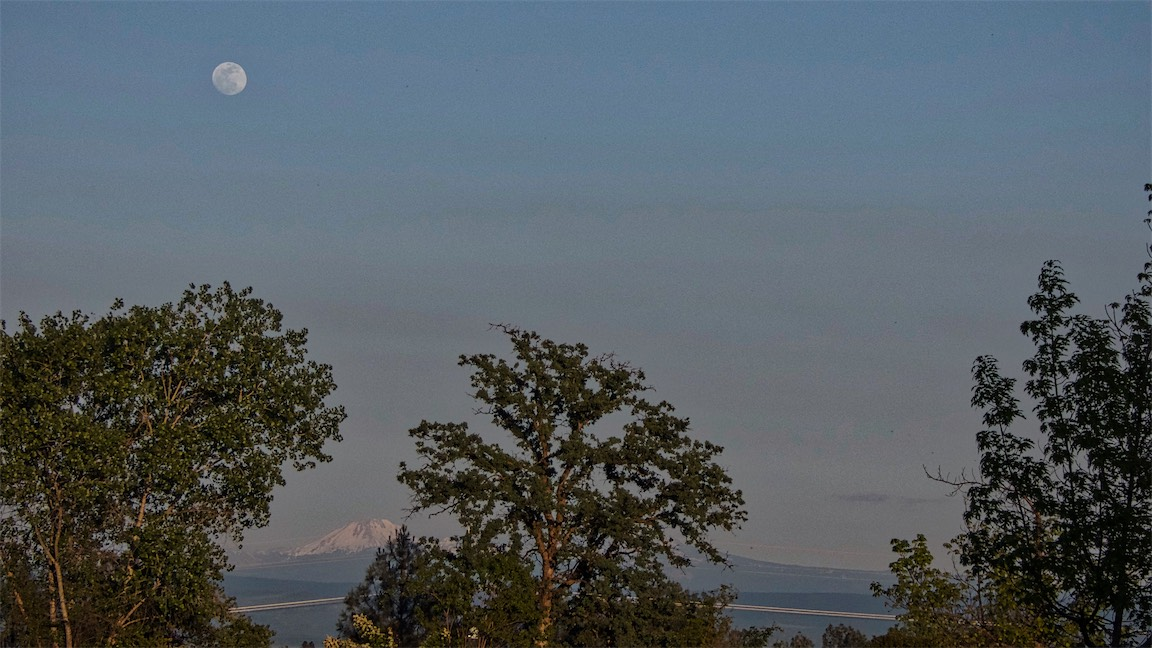 Moon and Lassen.jpg