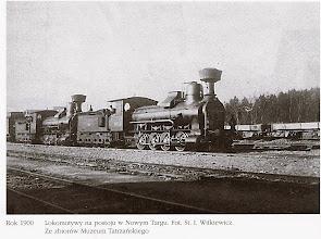 Photo: Lokomotywy na postoju w Nowym Targu 1900 r..