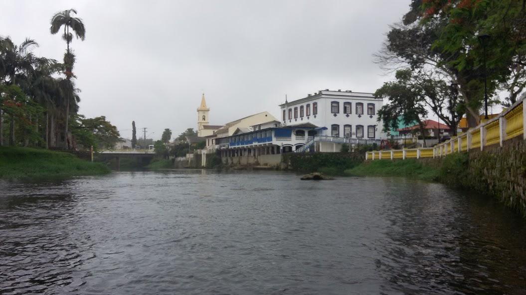 Morretes - rio Nhundiaquara - veja Google photos.