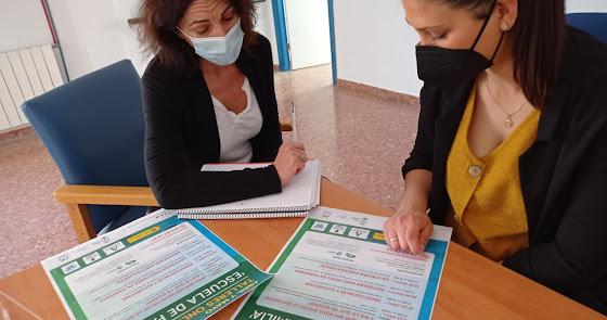 Se pone en marcha el taller de 'Escuela  de familias' de Huércal de Almería