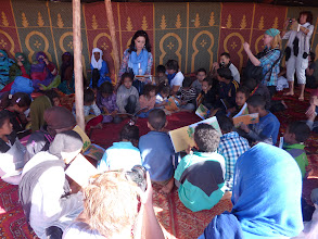 Photo: Educational activities with Ima, Hanneke and children of the Sahara.