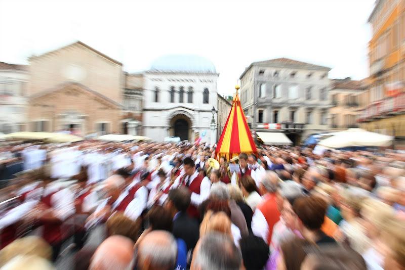 La processione del Santo di Yoyo