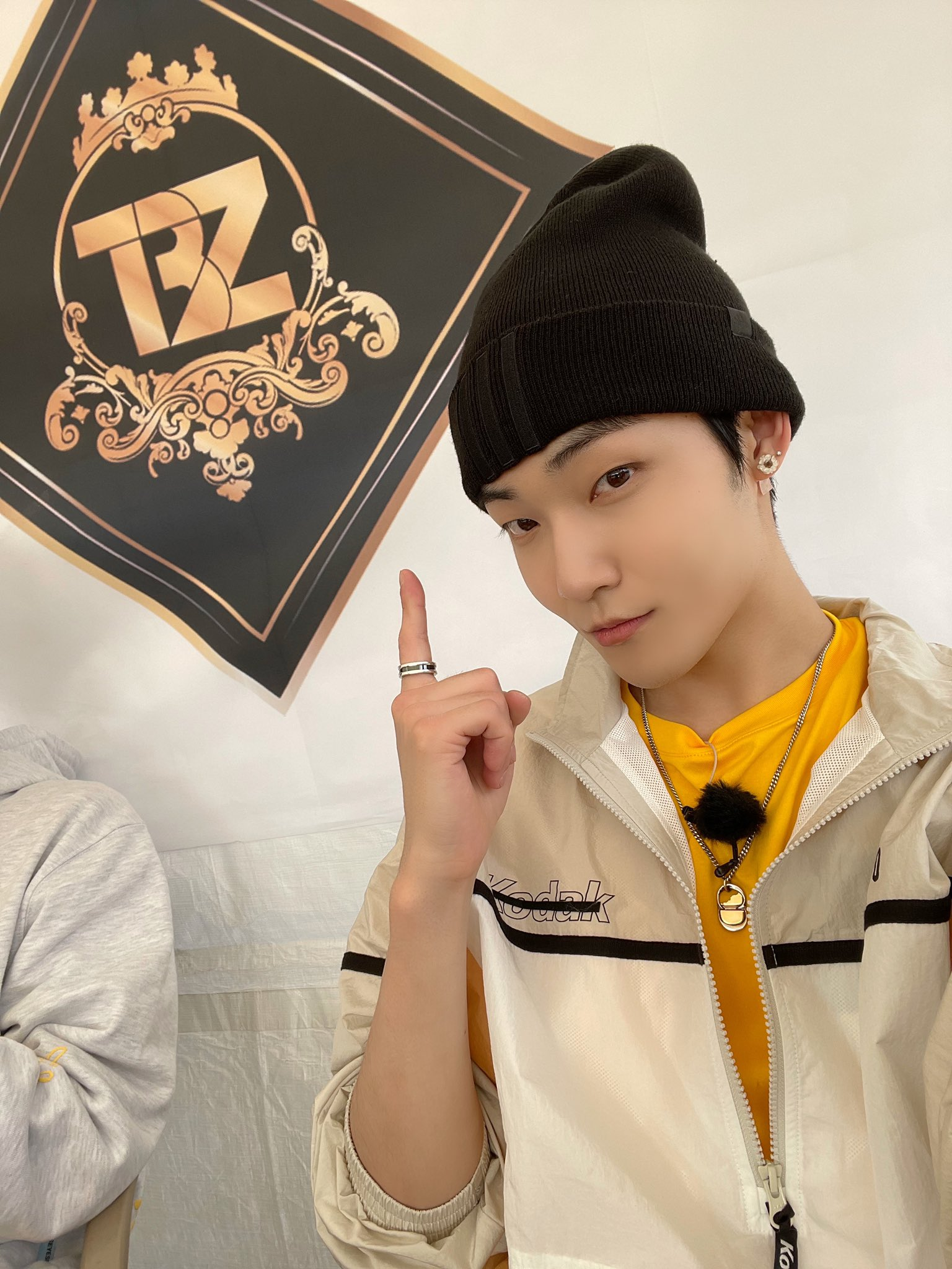 the boyz kevin @WE_THE_BOYZ