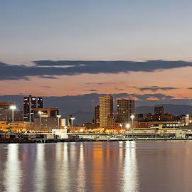 Genova by night by Sergio Di - City,  Street & Park  Night ( #liguria, #italia, #citta', #notturno, #genovadinotte, #genova )