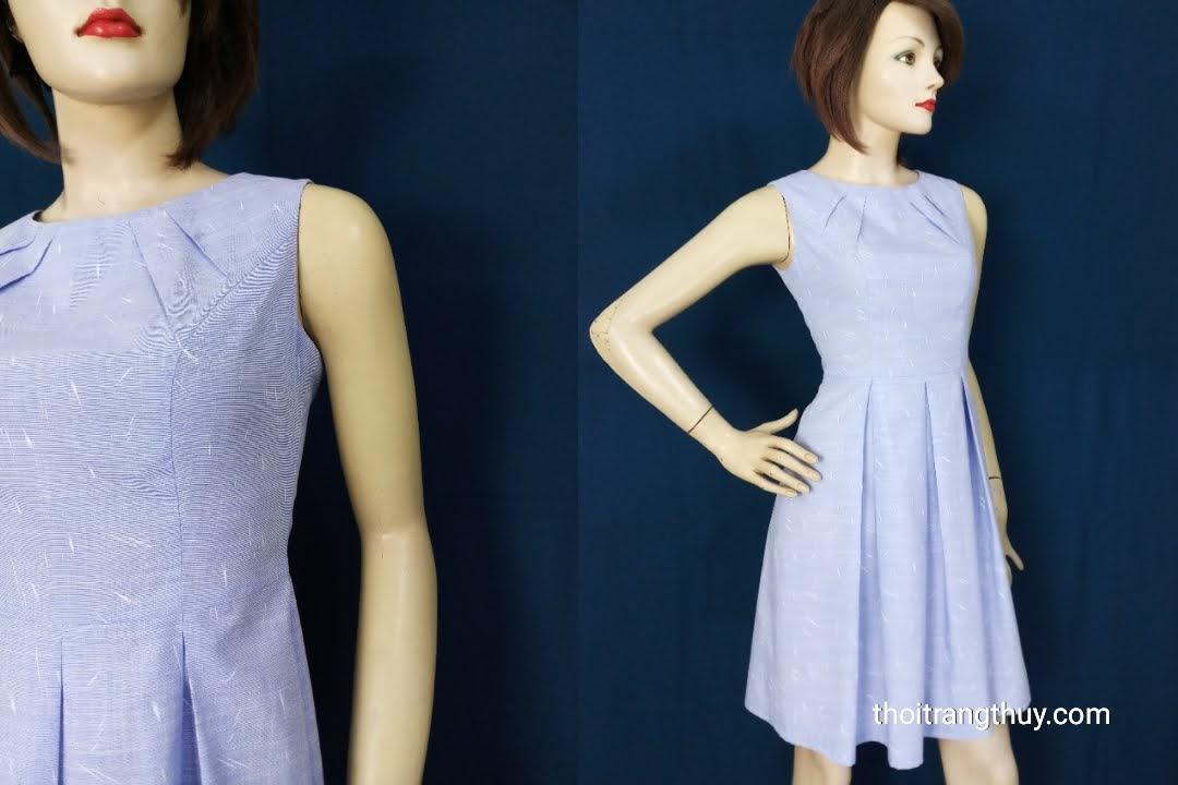 Chiếc váy xòe xếp ly hộp với phần cổ xếp ly V596 Thời Trang Thủy