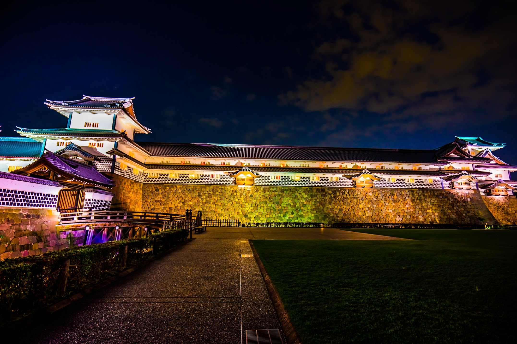 Kanazawa Castle Park light-up2